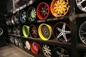 Какие колесные диски выбрать: легкосплавные или стальные?