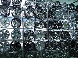 Преимущества и недостатки литых дисков...